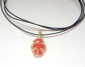 Collier pendentif ovale minimaliste pierre de Cornaline orange wire wrapping fil de cuir cadeau pour elle