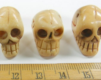19x18x15mm hand carved full skull, top drilled, bone beads, one piece,  (CBB-22)
