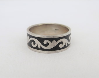 Vintage Sterling Silver Black Enamel Band Ring Size 11.5