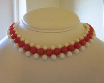 Red & White FACETED  PLASTIC CHOKER