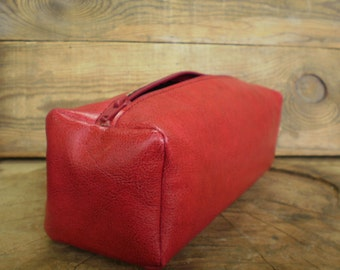 Womens cosmetic bag, Make-up bag, Vegan leather, Dopp kit, Zipper pouch, Toiletry, Red, Leather pouch, Shaving case, Groomsmen, Travel bag
