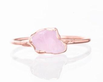 Dainty Rose Quartz Ring, Rose Gold Rose Quartz Wedding Gift, Rose Quartz Jewelry, January Raw Rose Quartz Ring, Raw Morganite Ring