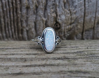 Vintage 925 Sterling Silver Lab Opal Ring