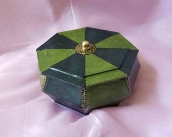 PSB-C13: Pinwheel Greens Jewelry Box