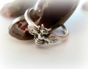 Tiny Bee silver stack ring - Metalwork bee ring sterling silver - Sterling Honey Bee Ring, Sterling Silver Stacking Ring -  Bee Jewelry