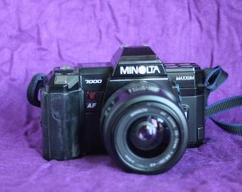 Minolta Maxxum 7000 SLR 35mm camera-with 50mm f1:1.7