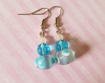 Blue polka dot earrings, Polka dot beaded earrings, Beaded earrings, Dangle earrings, Drop earrings, Glass beads, Polka dots, Blue