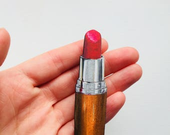 Bronze Orange and Red Lip Stick Brooch Make Up Pin Birthday Wooden Gift for Stocking Filler Stuffer Jewellery Retro Collar Lipstick