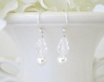 Simple crystal dangle earrings, Bridesmaid earrings, Swarovski crystal bridal earring, Pearl and crystal wedding earring