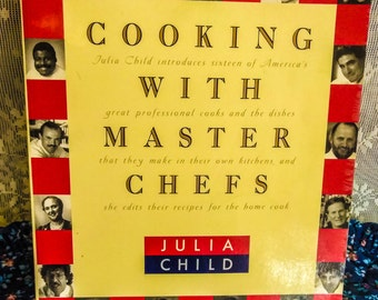 COOKING with the Master Chefs   JULIA CHILDS PreOwned....In Excellent Condition