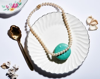 Lovely Costume Pearl Necklace with Magnetic Clasp