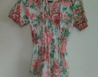 Vintage women's floral top