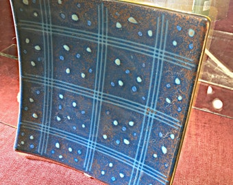 """Square fused glass plate - """"Grid"""" - Steel-blue fused glass plate w/ mariner-blue frit & copper mica. 7 1/2"""" square. (445)"""