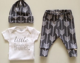 NEW! Grey with White ArrowsNewborn Outfit/Bring Home Outfit