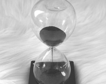 Magnetic Hourglass Chant Timer