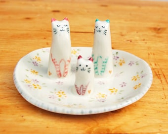 Cat ring dish ceramic wedding family cake topper holder jewelry animal lover plate porcelain gift mothers day anniversary engagement trinket