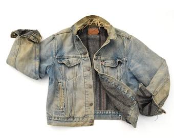Vintage LEVIS Jacket Distressed Destroyed 80s Oversized Levis Jacket Lined Levi Jacket Faded Denim Levis Jacket Mens S / M or Womens M / L