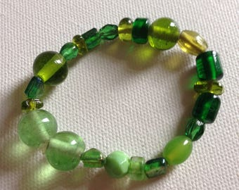 Bracelet  - bright green glass beaded bracelet