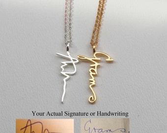 Personalized Gold Pendant Sale 20 off triple name necklace circle names custom sale 20 off actual personalized necklace handwriting jewelry custom necklace engagement audiocablefo