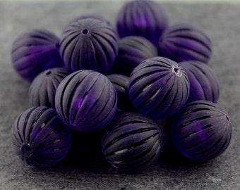 Deep Violet Vintage Plastic Ribbed Rounds 14mm