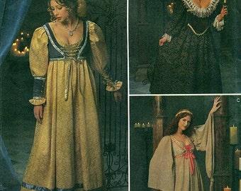 8192 ANDREA SCHEWE médiéval robes patron Simplicity - également publié sous la Collection de la Renaissance simplicité 0687
