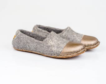 Woolen clogs for her with golden leather cap toe, Felted slippers for women, Hygge gift idea, Warm wool women slippers, Mother gift slippers