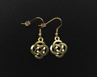 CELTIC KNOT Charm Earrings Stainless Steel Ear Wire Silver Metal Unique Gift