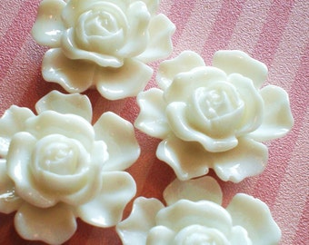 6 cabochon roses white resin 20mm 9mm