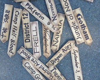 10 Directional Signs/Plaques with no post
