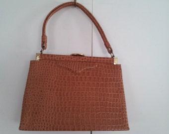 New vintage handbag purse from Gimbals madagascar permatone faux alligator morris white NWT
