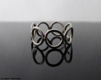 Sterling Silver Silver Circles Ring Size I, simple silver ring, minimalist silver ring, circles ring, geometric ring, sterling silver ring