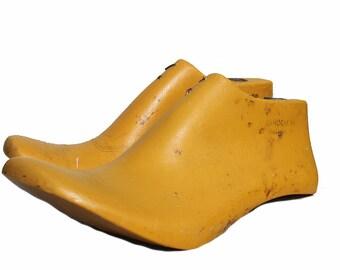 Mustard women plastic shoe lasts,women shoe molds,antique decor,resin shoelasts,plastic cobbler tools,sizes 35,36,37,38,39,40