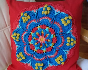 Crochet decorative cushion