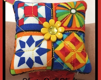 Flower Wrist Pin Cushion - Quilting Red