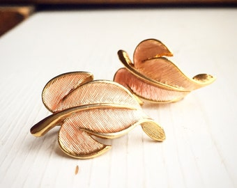 Vintage Blush and Gold Leaf Clip On Earrings / Foliage Costume Floral Pink / Wedding Evening Coral Leaves / Fall Autumn