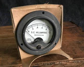 Vintage D.C. Milliamperes gauge NOS