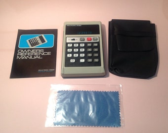 1975 Prinztronic SR88M Pocket Sized Electronic Calculator *** New in Its Box *** with Original Receipt ***
