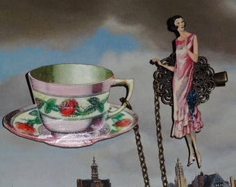 A Walker to the monumental Teacup (double brooch with clip)
