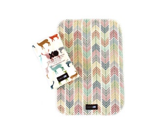 Set of two (2) Organic burp cloths - Gender neutral - 100% GOTS certified - READY to SHIP - Elk