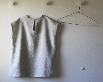 LINEN TOP with pearl button / linen t shirt / women / linen clothing / spring / summer / linen / natural / made in australia by amelatang