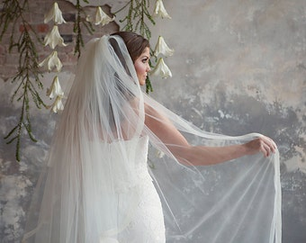 Maralee - Two tier Ivory bridal veil with horsehair crinoline trim
