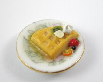 Dollhouse Miniature Food Fruit Waffle for One in 12th Scale