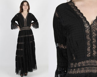Mexican Dress Mexican Wedding Dress Ethnic Dress Black Fiesta Dress Vintage 70s Boho Floral Lace Bell Sleeve Bridal Bridesmaids Maxi Dress