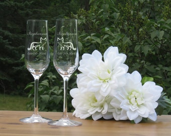 Fox Wedding Champagne Flutes / Set of 2 / Engraved Crystal Champagne Glasses/ Bride and Groom Toasting Glass / Wedding Glasses