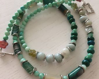 Necklace medium green