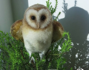 Barn owl. Needle felted. OOAK. To order. Woolen toy. Felting. Commission. Free shipping. Woolen owl. Owl toy.