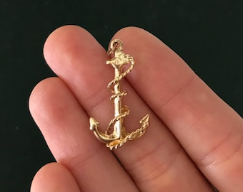 Vintage Gold Anchor Pendant