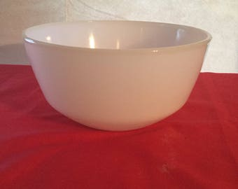 Vintage  anchor hocking fire king mixing bowl