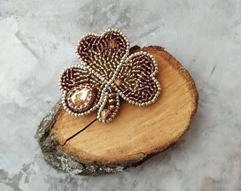 Clover beads brooch, Trefoil brooch bead embroidery, Gold clover brooch ,Little Clover, St.Patrick 's Day Pin, Three-leafed Clover Pin