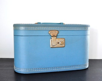 Vintage Blue Train Case with Marbled Plastic Tray, Locking Case with Key, Makeup Case, Vintage Luggage, Vintage Suitcase